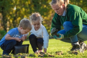 Planting Bulbs at Wisley
